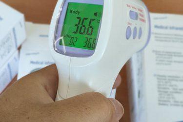 137084564 w700 h500 beskontaktnyj termometr meditsinskij